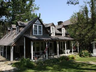 Springhaven Inn a vintage inn built in 1889, located on Main St Blowing Rock - Blowing Rock vacation rentals