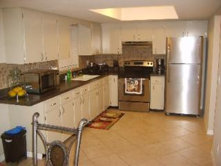 Indian Rocks Beach Vacation Rental - 1 Mile To Gulf Beaches - Largo vacation rentals