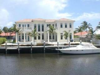 On Water! Near Delray Beach! 4 min Walk to Beach! - Ocean Ridge vacation rentals