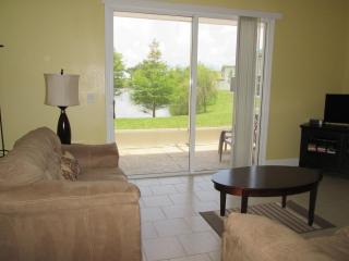 Kissimmee Townhome - Beautiful Pond & Pool View! - Kissimmee vacation rentals