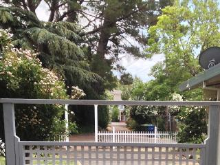 ' Sonoma Gateway to the Wine Country' suiteoaks - Petaluma vacation rentals