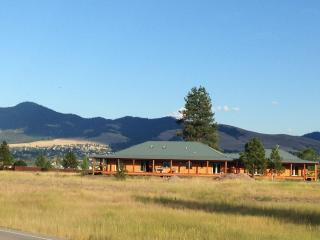 Blue Haus, Missoula, MT - Town & Country Luxury - Bigfork vacation rentals