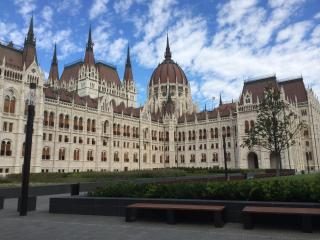 NEW! Downtown paradise at Parliament up to 8 person - Budapest & Central Danube Region vacation rentals
