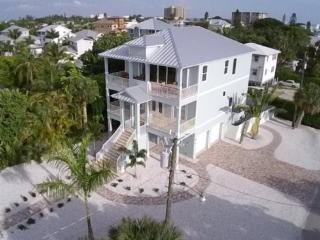 Amazing Executive Level Brand New Home with Panoramic Bay Views and Smart Home Entertaiment -  Blue Horizon - Fort Myers Beach vacation rentals