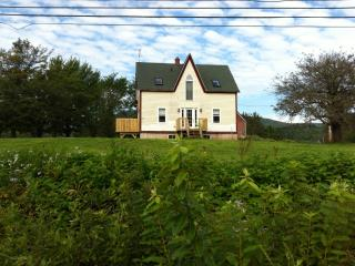 Charming Cottage Between Inverness & Mabou - Inverness vacation rentals