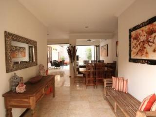 VILLA JENAKA - Lovely Kuta Royal Villa Bali - Kuta vacation rentals