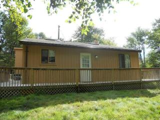 AMAZING CHALET!!! 8 Miles from Camel Back Water Park & 7 miles from Mt. Airy Casino! - Long Pond vacation rentals