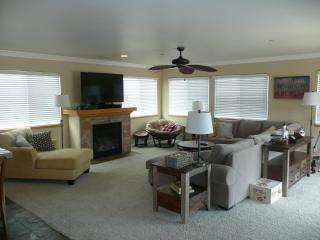 Spacious, Beautiful New Townhome Close to Downtown! - Morro Bay vacation rentals