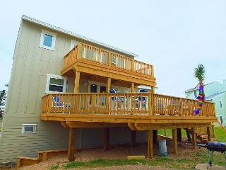 Three bedroom two bath beachfront home in a private gated community. - Port Aransas vacation rentals