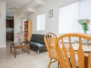 New apt. free wifi great locution #1 - North Hollywood vacation rentals