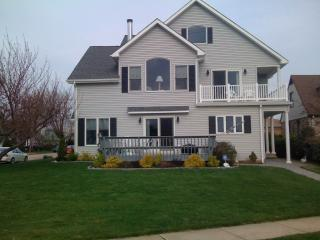 Pet Friendly Lakeview House in Pt Pleasant Beach - Point Pleasant Beach vacation rentals