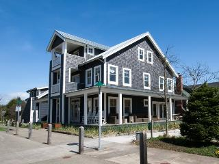 Independence Hall - Pacific Beach vacation rentals