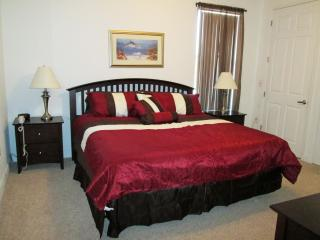 Ideal 3 BR Townhome in Kissimmee, FL w/ pond view! - Kissimmee vacation rentals