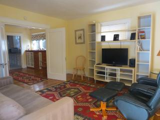 Berkeley, 1707, great location 1 block N from UCB - Berkeley vacation rentals