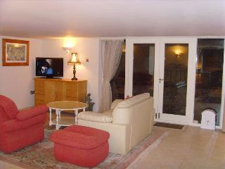 Self contained Garden Room Apartment in Hale - Cheshire vacation rentals