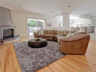 Executive Estate steps to Downtown and Beach - Manhattan Beach vacation rentals