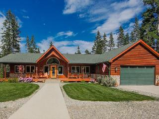 Incredible Aspen Lodge!   5 Acres | 7BR | 4.5 BA | Sleeps 24 ! FREE Nights! - Ronald vacation rentals