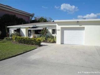 Egret Beach House, Heated Pool, Canal, Boat Dock, Sleeps 8 - Fort Myers Beach vacation rentals