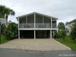 My Beach Villa, 4 bedroom, private pool - sleeps 10 - Fort Myers Beach vacation rentals
