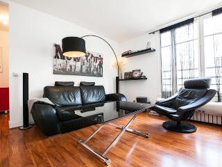 Designer flat - Arc of triumph view - Paris 16 - Paris vacation rentals