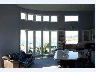 Fabulous and Elegant Designer's Beach Home( 5 Bedrooms , 4 Baths, Sleeps 12) - Pacifica vacation rentals