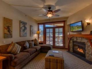 Village at Squaw Valley 1bd/den Condo sleeps 6 - SKI IN / SKI OUT - Olympic Valley vacation rentals