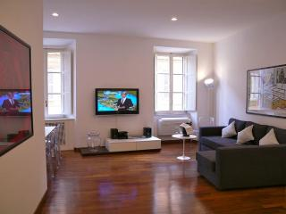 PIAZZA DI SPAGNA 18 : 2BR/2BA in the heart of Rome! - Paris vacation rentals