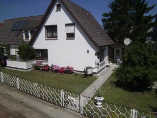 Vacation Apartment in Zingst - 248 sqft, comfortable, beach, bright (# 5378) - Mecklenburg-West Pomerania vacation rentals