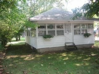 Quaint Cottage - East Marion vacation rentals