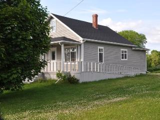 Very Comfortable Home  Quiet Fishing Village- ramp - Murray Harbour vacation rentals