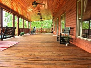 Luxury Cabin only 25 minutes from Pigeon Forge, TN - Dandridge vacation rentals