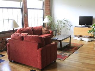 Loft 4South - 1,200+ sq. ft with amazing view - Kansas City vacation rentals