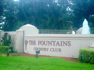 FOUNTAINS COUNTRY CLUB CHARMER - Lake Worth vacation rentals