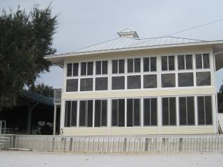 LAKEFRONT ON BEAUTIFUL CROOKED LAKE - Babson Park vacation rentals