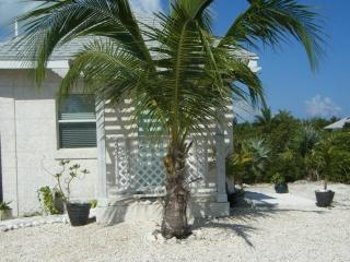 Charming retreat minutes from the beach - Turks and Caicos vacation rentals