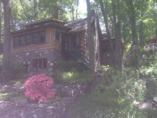 Pristine Charming Log Cabin on Greenwood Lake, NY - Hudson Valley vacation rentals
