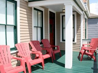 Seacoast Villa: Sleeps 8: $195 Per night! - Tiki Island vacation rentals