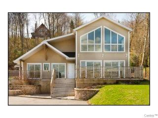 Lakeside resort area home 15 mn from Quebec City - Quebec vacation rentals
