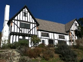 Medieval Hall house, 1480, moved from England - Napa Valley vacation rentals