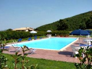 apartments for 4 guests in country house - Massa Martana vacation rentals