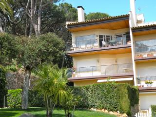 Beautiful 4 bedroom penthouse with sea views - Palafrugell vacation rentals