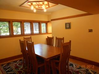 Frank Lloyd Wright Designed house - Milwaukee vacation rentals