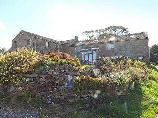 HEIGHT LAITHE BARN, pet-friendly cottage with country views, walking from the door, close Haworth, Colne Ref 23698 - Colne vacation rentals
