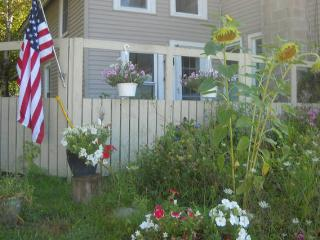 2 Br Condo In 100 Year Old Farmhouse Woodstock Vt - Woodstock vacation rentals