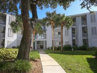 Plantation Seasonal Condo 210 - Sarasota vacation rentals