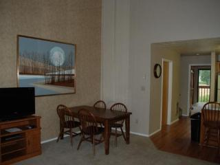 Large Wolf Lodge Condo with Vaulted Ceilings and views of Wolf Mountain - Eden vacation rentals