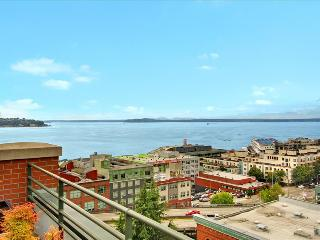 BOOK ONLINE! Perfect Downtown Seattle Location! STAY ALFRED VT2 - Seattle vacation rentals