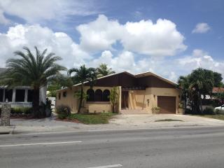 1 block from Miami Beach - Surfside vacation rentals