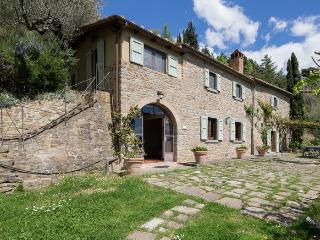 Villa Valerie, luminous Villa plunged in the verdant hill of Cortona. - Cortona vacation rentals