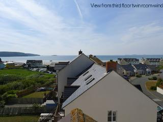 Pet Friendly Holiday Cottage - 67 Puffin Way, Broad Haven - Pembrokeshire vacation rentals